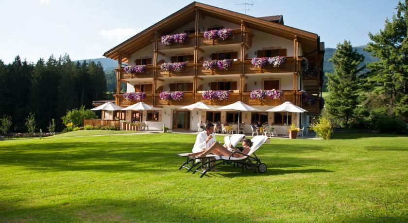 Hotel Weiher Green Lake, Hotel reviews and Room rates
