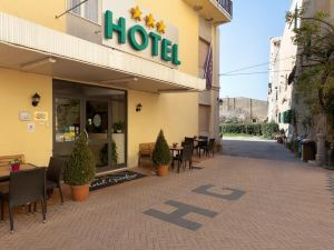 吉爾狄諾停放酒店(Parking Hotel Giardino)