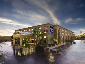 坦佩商城貝斯特韋斯特優質酒店(BEST WESTERN PLUS Tempe by the Mall)