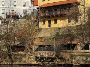 麥西迪拉加尼酒店(Hotel Garni Myší Díra)