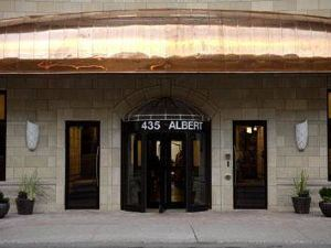 阿爾伯特灣套房酒店(Albert at Bay Suite Hotel)