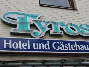 卡斯特豪斯威登丹梭羅酒店(Tyros Hotel Und Gästehaus am Weidendamm)