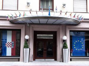 阿斯托里亞貝斯特韋斯特精品酒店(Best Western Premier Hotel Astoria)
