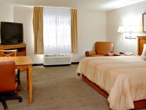 寶拉利斯燭木套房酒店(Candlewood Suites Polaris)
