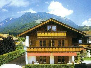 布魯薩特伽尼酒店(Hotel Garni Brunnthaler)
