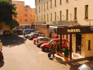 紐布魯奈恩霍夫城市酒店(City-Hotel Neubrunnenhof)