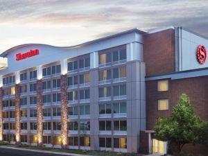 安阿伯喜來登酒店(Sheraton Ann Arbor Hotel)