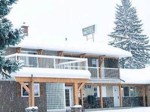 瑞士木屋汽車旅館(Swiss Chalet Motel)
