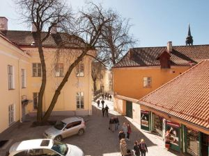 托姆比亞老城塔林市公寓(Tallinn City Apartments Old Town Toompea)