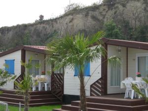 諾里納露營旅館