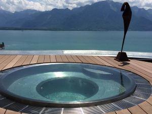 蒙特勒德克住宿加早餐旅館(Montreux Deck)
