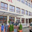 布洛旅館(Hostel Bureau)
