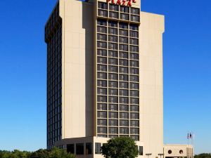 達拉斯市場中心皇冠假日酒店(Crowne Plaza Hotel Dallas Market Center)