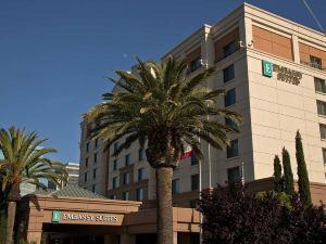 薩克拉門托沿河走廊尊盛酒店(Embassy Suites Sacramento-Riverfront Promenade)