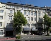 杜塞爾多夫萊昂納多精品酒店