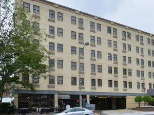 戴斯華盛頓酒店 - 康涅狄格大道(Days Inn Washington DC – Connecticut Avenue)