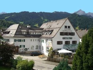 阿爾鵬古魯斯酒店(Hotel Alpengruss)