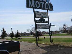 德里克汽車旅館(Derrick Motel)