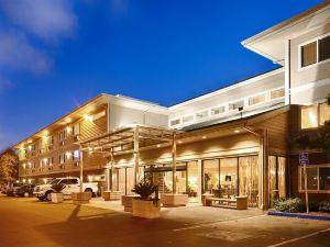 灣畔貝斯特韋斯特優質酒店(Best Western Plus Bayside Hotel)