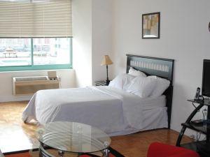 新港大廈套房酒店(Hudson Suites)