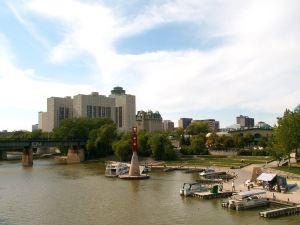 溫尼伯中心假日套房酒店(Holiday Inn Hotel & Suites Winnipeg Downtown)