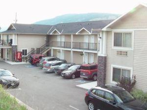湖泊江山旅館(Lake Country Inn)