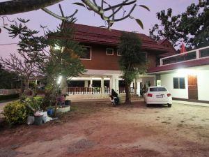 梅爾皮姆旅館(Mae Pim Guest House)