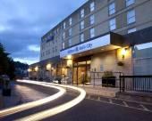 希爾頓巴斯逸林酒店