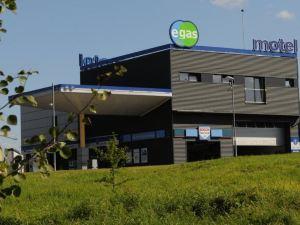 埃加斯莫汽車旅館(Egas Motel)