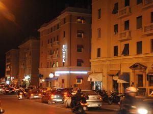 提蘭諾酒店(Hotel Tirreno)