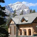 班夫YWCA旅舍(YWCA Banff Hotel)