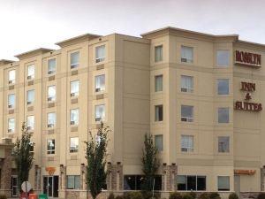 羅斯林套房旅館(Rosslyn Inn & Suites)