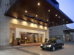 新德里鄂霍拉皇冠假日酒店(Crowne Plaza New Delhi Okhla)