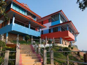 班魯度假酒店(Ban Rueu Resort)