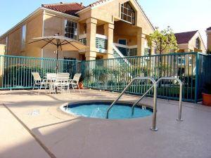 聖何塞宿之橋套房酒店(Staybridge Suites San Jose)