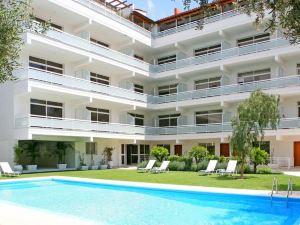 科里納套房公寓(Corina Suites & Apartments)