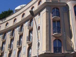 水晶酒店(Hôtel Cristal)