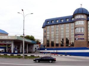 普利克里斯多克酒店(Perekrestok Hotel)