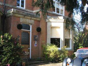 大莫爾文特雷爾住宿加早餐旅館(Treherne House & The Malvern Retreat)