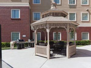 薩克拉門托– 納托馬斯宿之橋套房酒店(Staybridge Suites Sacramento Natomas)