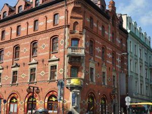 紅磚公寓酒店(Red Brick Apartments)
