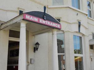 雪松酒店(Cedar Lodge Hotel)
