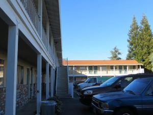 卡普里汽車旅館(Capri Motel)
