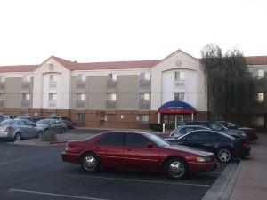 燭木套房酒店菲尼克斯/坦佩(Candlewood Suites Phoenix/Tempe)