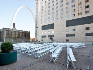 聖路易市中心城市廣場酒店(City Place Downtown St. Louis Hotel)