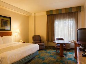 奧斯汀西南莫帕克拉昆塔套房酒店(La Quinta Inn & Suites Austin Southwest at Mopac)