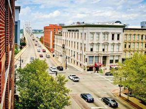 路易斯威爾市中心萬怡酒店(Courtyard Louisville Downtown)