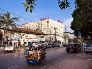宜必思萬象納姆浦酒店(ibis Vientiane Nam Phu)