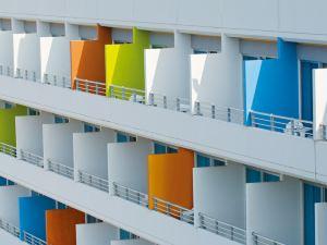 地中海海灘酒店(Mediterranean Beach Hotel)
