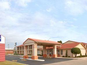 機場東騎士酒店(Knights Inn Airport East)
